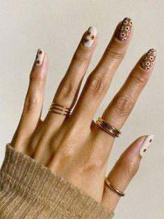 Nail Design Stiletto, Nail Design Glitter, Nails Design, Tan Nails, Hair And Nails, Brown Nails, Stylish Nails, Trendy Nails, Vintage Nails