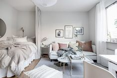 15 Stylish Ways To Decorate A Studio Apartment How to decorate a studio apartment is a question we're frequently asked as people continue to downsize. Today we're sharing 15 stylish studio apartments designed to inspire your interior choices. One Room Apartment, Studio Apartment Layout, Small Studio Apartments, Small Apartment Interior, Apartment Bedroom Decor, Studio Apartment Decorating, Apartment Living, Living Room Decor, New York Studio Apartment