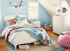 The blue in this room is so pretty and fresh. It's nice how the bedding and carpet echo it. #kidsroom #blue