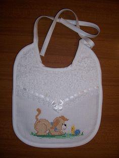 Bib Pattern, Hobbies And Crafts, Baby Bibs, Children, Kids, Needlework, Sewing Projects, Cross Stitch, Baby Shower