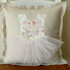New embroidery baby bedding kids rooms ideas - DIY Kinderzimmer Ideen Applique Cushions, Sewing Pillows, Diy Pillows, Custom Pillows, Decorative Pillows, Throw Pillows, Fabric Crafts, Sewing Crafts, Sewing Projects