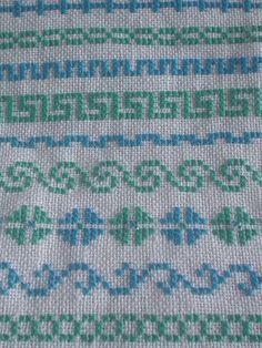 . Cross Stitch Borders, Cross Stitch Flowers, Cross Stitch Designs, Cross Stitch Patterns, Hand Embroidery Design Patterns, Palestinian Embroidery, Hand Gloves, Cross Stitch Needles, Needlework