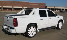 Chevy Avalanche White is so pretty