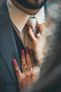 50 Wedding Reception Ideas To Make It A Day To Remember - Hochzeit Ideen Indian Wedding Couple Photography, Wedding Couple Photos, Couple Photography Poses, Bridal Photography, Wedding Couples, Indian Engagement Photos, Mehendi Photography, Wedding Pics, Wildlife Photography
