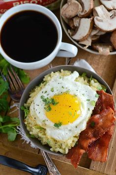 Risotto Brunch Bowl: kick off brunch with a 30 minute savory bowl filled with creamy broccolini and mushroom risotto, crispy bacon and a sunny side up egg. Being the big brunch and risotto lover that Breakfast Bowls, Breakfast Time, Best Breakfast, Breakfast Ideas, Delicious Breakfast Recipes, Brunch Recipes, Dinner Recipes, Brunch Ideas, Easy Rice Recipes