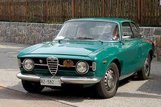 Old Sports Cars, Sport Cars, Alfa Alfa, Alfa Romeo Gtv, Alfa Romeo Giulia, Concept Cars, 3 Years, Cars And Motorcycles, Vintage Cars
