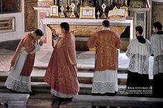 Santa Misa Tridentina del Domingo Laetare en Roma