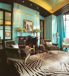 Bold living room with gold ceiling, turquoise walls and black and white interior Decor, House Styles, House Design, Sweet Home, Blue Walls, Ceiling Design, Interior Design, Home Decor, House Interior