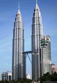 Petronas Tower Kualalumpur   ; Fifth Tallest Building in the World