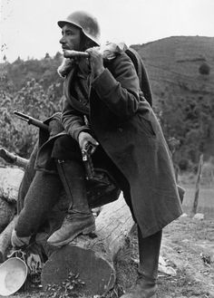 June 12 The Republican attack on Huesca begins in the hope of stalling the Nationalist attack on Bilbao. The XII International Brigade, now without their General, join Spanish Republicans under the…