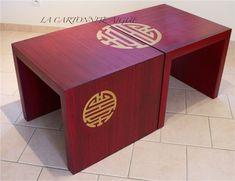 Bonjour, voici les dernières pièces sorties de l'atelier : 2 tables basses en carton alvéolaire, déco imitation bois patiné et ambiance asiatique (rouge, noir et bronze, qui ne ressort pas vraiment sur les photos...) Elles sont plus hautes que les tables...