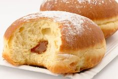 Wiener Faschingskrapfen - recipe - Baked golden brown and filled with fine jam – this is the recipe for Viennese carnival donuts. German Desserts, Cooking Bread, Homemade Donuts, Colorful Cakes, Food Humor, Funny Food, Sweet Cakes, Cakes And More, Baking Recipes