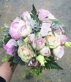 wedding bouquet in pastels