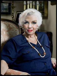 """1926-2016 / JOYEUX ANNIVERSAIRE DEAR MARILYN ! ON PEUT REVER ! Elle aurait eu 90 ans aujourd'hui et avec un peu d'imagination """"fantasmée"""", elle aurait pu ressembler à cela... Une jolie grand-mère !"""
