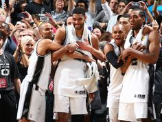 The San Antonio #Spurs down the Miami #Heat in Game 5 to win the 2013-14 NBA championship: http://yhoo.it/1qj1sME   #Sports #Basketball #NBA