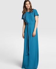 Vestido azul de fiesta con manga corta