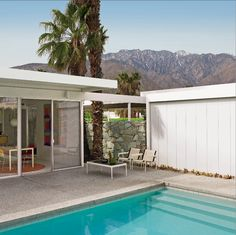 Jim Isermann lives in an all-steel house designed in 1961 by modern architect Donald Wexler for the Alexander Construction Company