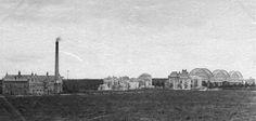 Op deze foto is er alleen bij de Hezelpoort enige bebouwing te bespeuren. Vaag ziet men de Korenbeurs. Het Kronenburgerpark is nog niet aangelegd 1878-1879