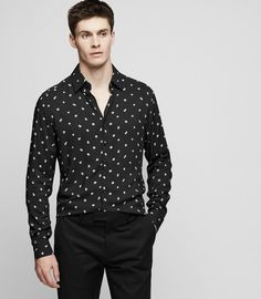 The Provost shirt is crafted in a lightweight fabric for comfort and flair. Take full advantage of its floral polka-dot print by wearing it with a plain black trousers and Chelsea boots. Polka Dot Shirt, Polka Dots, Best Mens Fashion, Black Trousers, Fashion Line, Mens Clothing Styles, Capsule Wardrobe, Fashion Outfits, Reiss