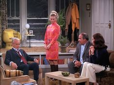 All eyes on Phyllis in a stunning Pucci-esqe number and high boots. Mary Richards Mary Tyler Moore Phyllis Lindstrom