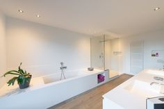 Bathroom Inspiration, Interior Inspiration, Bathroom Toilets, Corian, Beautiful Bathrooms, Luxury Living, Sweet Home, New Homes, Bathtub