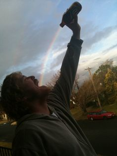 Funny pictures about Taste the Rainbow. Oh, and cool pics about Taste the Rainbow. Also, Taste the Rainbow photos. Funny Optical Illusions, Optical Illusion Photos, Cool Pictures, Cool Photos, Amazing Photos, Forced Perspective, Perfectly Timed Photos, Taste The Rainbow, Perfect Timing