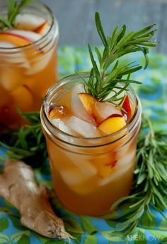 Give your ICED TEA a delicious makeover with flavorful ingredients. Make this ICED ROSEMARY GINGER PEACH GREEN TEA with fresh peaches to intensify the taste, rosemary to add woodsy flavor, and homemade ginger syrup for sweet spicyness.