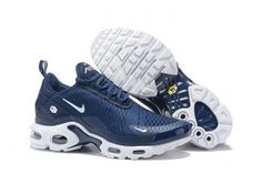 The Nike Air Max Plus TN SE features a breathable mesh upper and Max Air for lightweight cushioning. Max Air unit and foam midsole for lightweight cushioning. Nike Air Max Plus, Air Max Plus Tn, Nike Air Max Tn, Nike Max, Nike Air Max For Women, Air Max 270, Mens Nike Air, Nike Air Shoes, Air Jordan Shoes