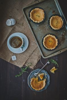 chamomile thyme miniature chess pies | http://tworedbowls.com