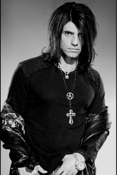 Criss Angel. This should be under DAYUM! ♥