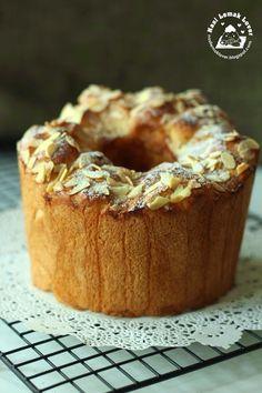 Nasi Lemak Lover: Japanese Condensed Milk bread 日式炼奶面包