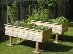 Make easy raised garden beds from 2 pallets frames are for Cheapest way to make raised beds