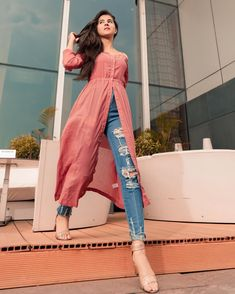 Dress Indian Style, Indian Fashion Dresses, Indian Designer Outfits, Teen Fashion Outfits, Classy Outfits, Indian Skirt, Designer Dresses, Women's Fashion, Simple Kurti Designs