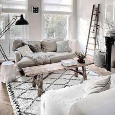 A mix of farmhouse and new #farmhouse #livingroomdecor #livingroominspo #livingroom #interiordesign #scandinaviandecor #scandiavianhome #homeideas #homeinspo #homedecor #homeinspiration #scandonaviandesign