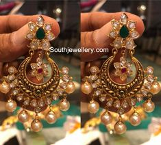 Gold Jewelry In Egypt Refferal: 5861343803 Indian Jewelry Earrings, Gold Jhumka Earrings, Gold Earrings Designs, Silver Jewellery Indian, Gold Jewellery Design, Gold Jewelry, India Jewelry, Bridal Jewelry, Jewelery
