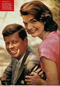 Jacqueline Kennedy Photographs: Jackie Kennedy Campaign, Shorter Hair, New Baby, etc. Jacqueline Kennedy Onassis, Caroline Kennedy, John Kennedy Jr., Jackie Kennedy Style, Les Kennedy, Jaqueline Kennedy, Jackie Kennedy Quotes, Kennedy Compound, Familia Kennedy