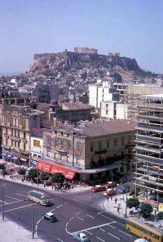 1962, Αθήνα...Σύνταγμα, σε πρώτο πλάνο η οδός Ερμού και η τέντα του ζαχ/στείου Ζαβορίτη φωτο Harrison Forman