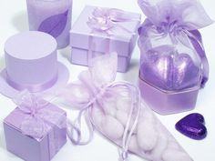 Pretty lilac wedding favour ideas.