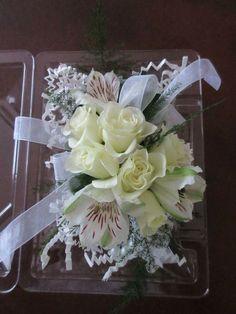 Moms corsage Corsage, Florals, Wedding Flowers, Floral, Flowers, Bridal Flowers