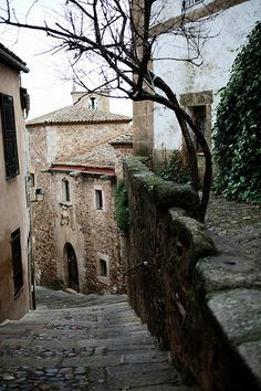Caceres Imagines, Villas, Whimsical, Trips, Scenery, Boards, Homes, Mansions, Street