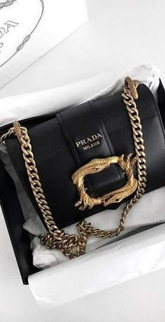 Nadire Atas on Prada Always Womens Handbags & Bags : Luxury & Vintage Madrid bring you the world's best selection of contemporar Burberry Handbags, Prada Handbags, Prada Bag, Handbags Michael Kors, Fashion Handbags, Purses And Handbags, Fashion Bags, Cheap Handbags, Cheap Bags