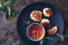 Try Thai fishcakes by FOOBY now. Or discover other delicious recipes from our category Aperitif fingerfood. Cooking With Kids, Cooking Time, Thai Recipes, New Recipes, Gluten Free Chilli, Mango, Chili Sauce, Food Trends, Citronella