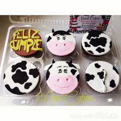 Feliz cumple vacas cupcakes  / Happy birthday cupcakes / Cow cupcakes