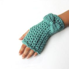 Crochet Fingerless gloves, fingerless mittens, Bow fingerless mittens, hand warmers, by JPwithlove by Liliana Henao