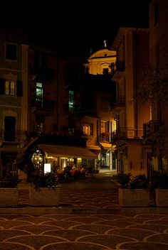 Malcesine, Lago di Garda, Italy Garda Italy, Lake Garda, Mansions, House Styles, Places, Home Decor, Decoration Home, Manor Houses, Room Decor