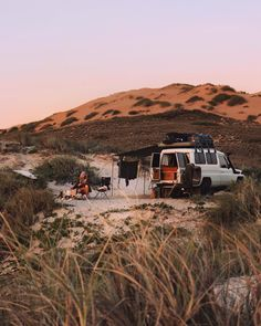 Our little shanty ✨ Big Ol' Bell certainly isn't the newest, fastest or flashiest rig getting around Aus. She's 30 years old and can barely… Outback Australia, Australia Travel, South Australia, Adventure Awaits, Adventure Travel, Wallpaper Travel, Places To Travel, Places To Visit, Travel Destinations