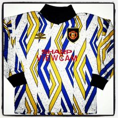 Manchester United, Umbro, 1993/4 90s Shirts, Soccer Shirts, Football Kits, Football Jerseys, Arsenal Shirt, Goalkeeper Shirts, Classic Football Shirts, Vintage Shirts, Locker
