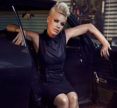 Get the Look – Singer Pink's Pumped Up Pompadour Hair. Click through to see how! #hair #beauty #tutorial