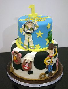 Toy Story cake my nephew hunter would love this!!!!!