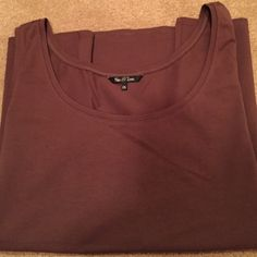 Chocolate tank Nic + Zoe fits xl-1x Chocolate covered tank new without tags in outstanding condition NWOT. This could fit a Xl-1x Nic + Zoe  Tops Tank Tops